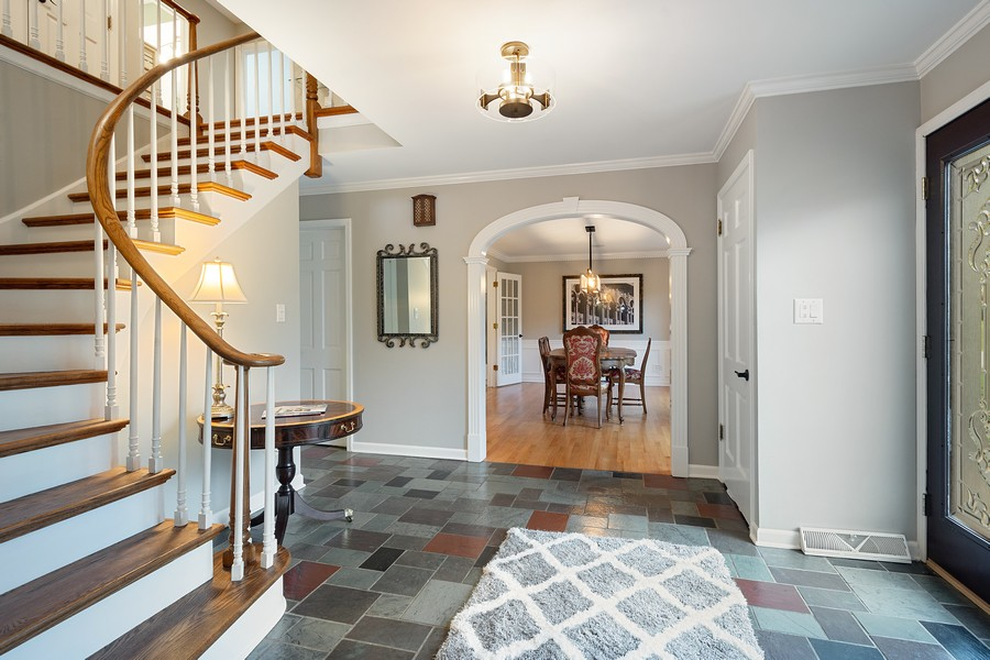 Real Estate Photography - 108 Fox Hunt Trl, Barrington, IL, 60010 - Foyer