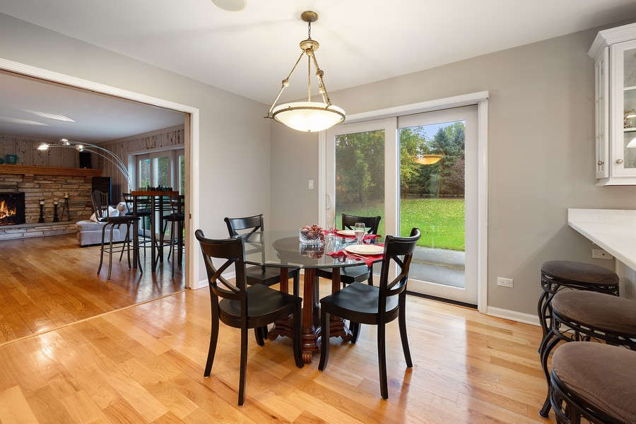 Real Estate Photography - 108 Fox Hunt Trl, Barrington, IL, 60010 - Breakfast Area