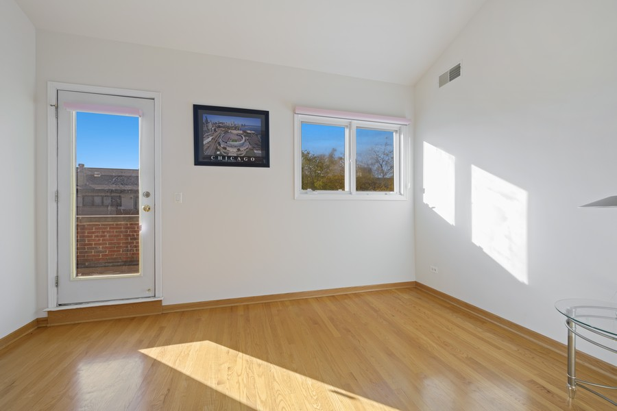 Real Estate Photography - 1433 S Prairie Ave, Chicago, IL, 60605 - Bedroom