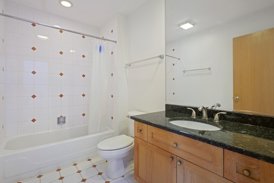 Real Estate Photography - 1433 S Prairie Ave, Chicago, IL, 60605 - 2nd Bathroom