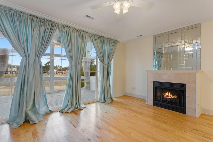 Real Estate Photography - 105 N Thompson St, New Buffalo, MI, 49117 - Living Room