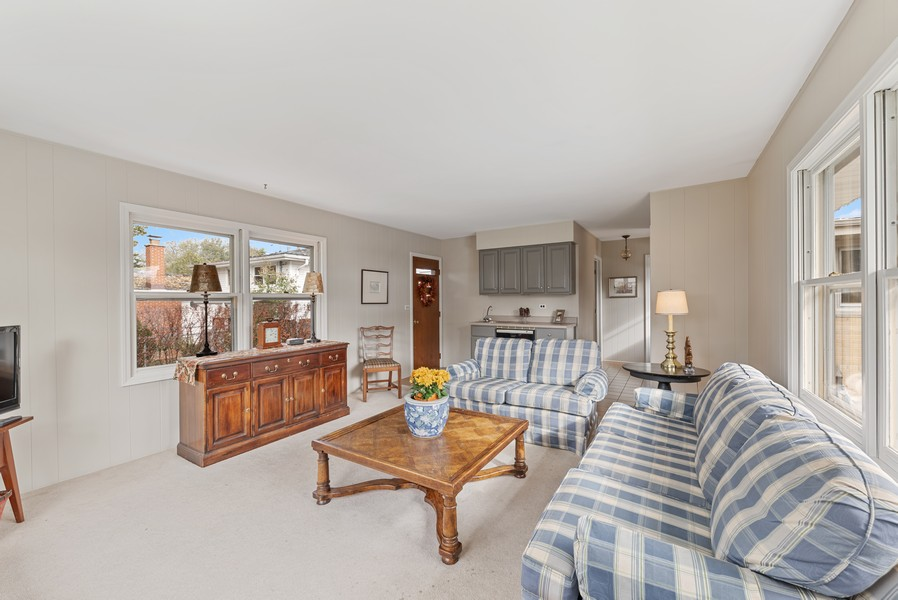 Real Estate Photography - 610 N Wilshire, Arlington Heights, IL, 60004 - Family Room