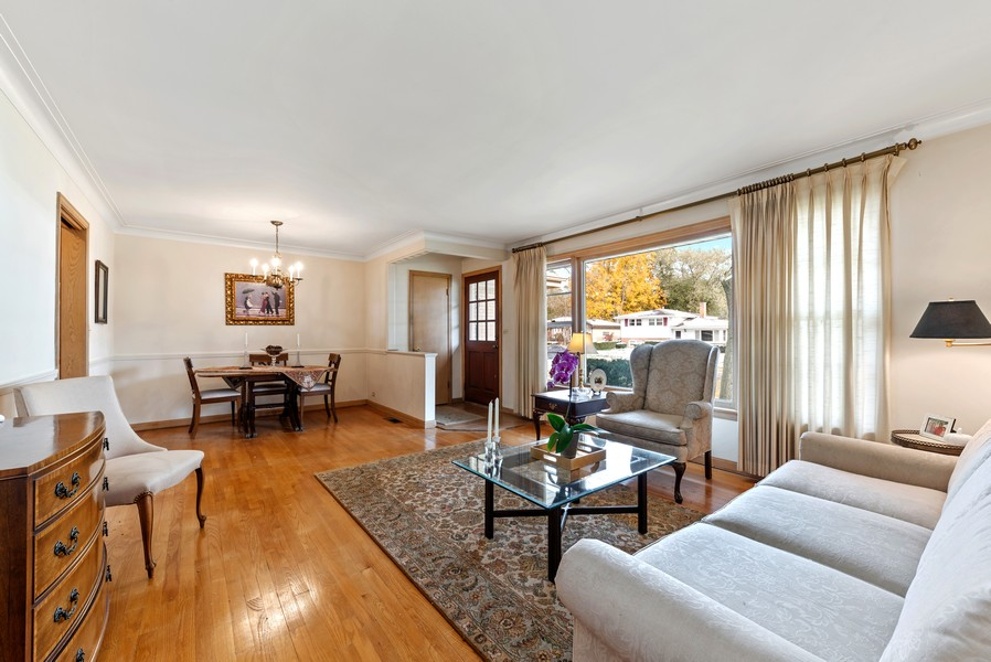 Real Estate Photography - 610 N Wilshire, Arlington Heights, IL, 60004 - Living Room / Dining Room