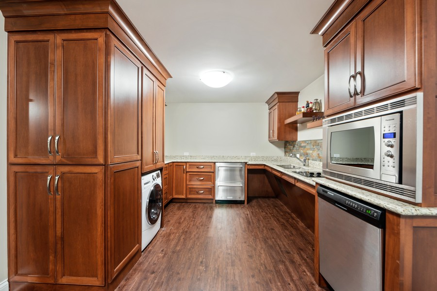 Real Estate Photography - 4425 Oakwood Ave, Downers Grove, IL, 60515 - Handicapped Accessible Multi Gen Kitchen