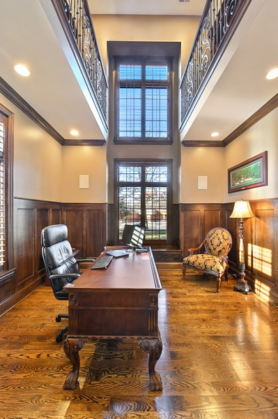 Real Estate Photography - 4425 Oakwood Ave, Downers Grove, IL, 60515 - Office