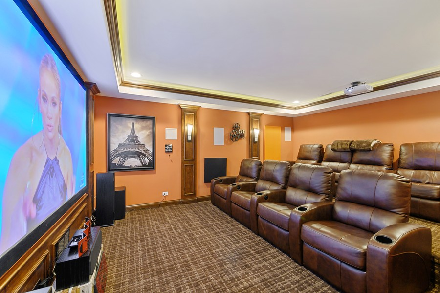 Real Estate Photography - 4425 Oakwood Ave, Downers Grove, IL, 60515 - Theater
