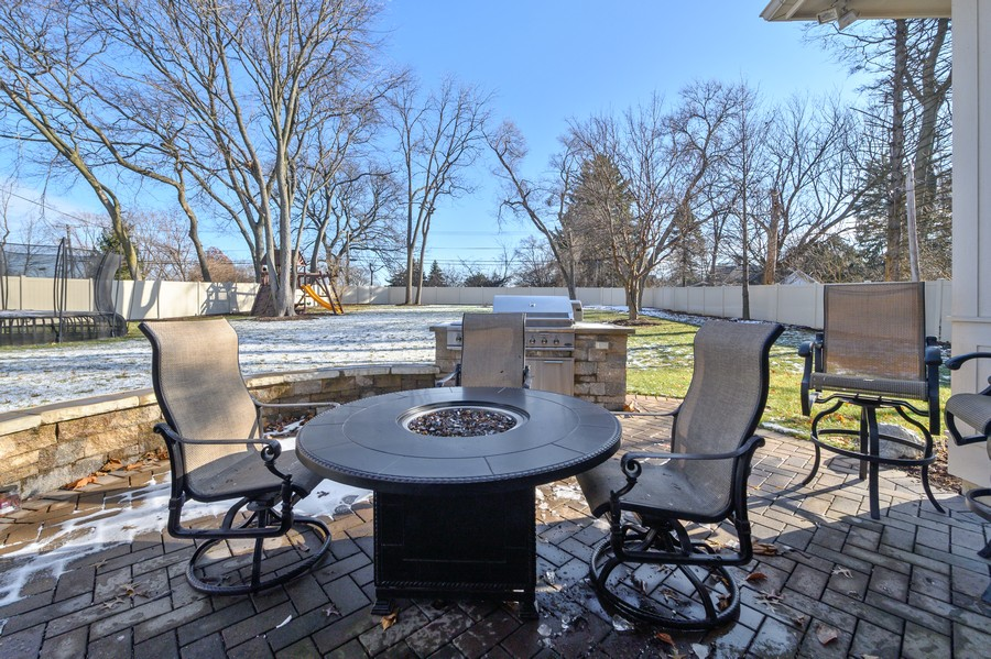 Real Estate Photography - 4425 Oakwood Ave, Downers Grove, IL, 60515 - Patio