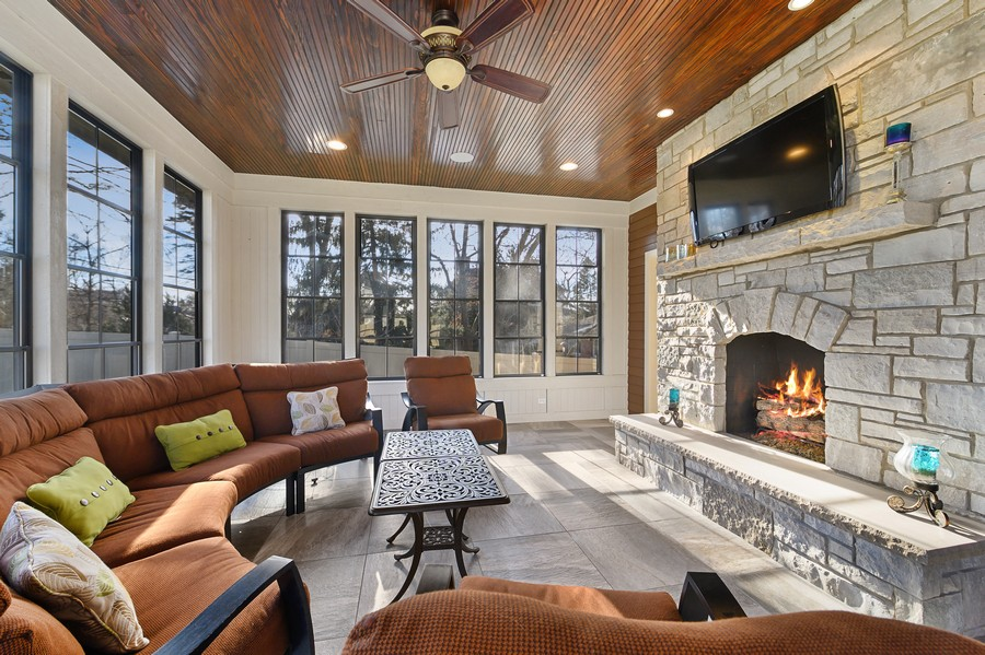 Real Estate Photography - 4425 Oakwood Ave, Downers Grove, IL, 60515 - 3 Seasons Room