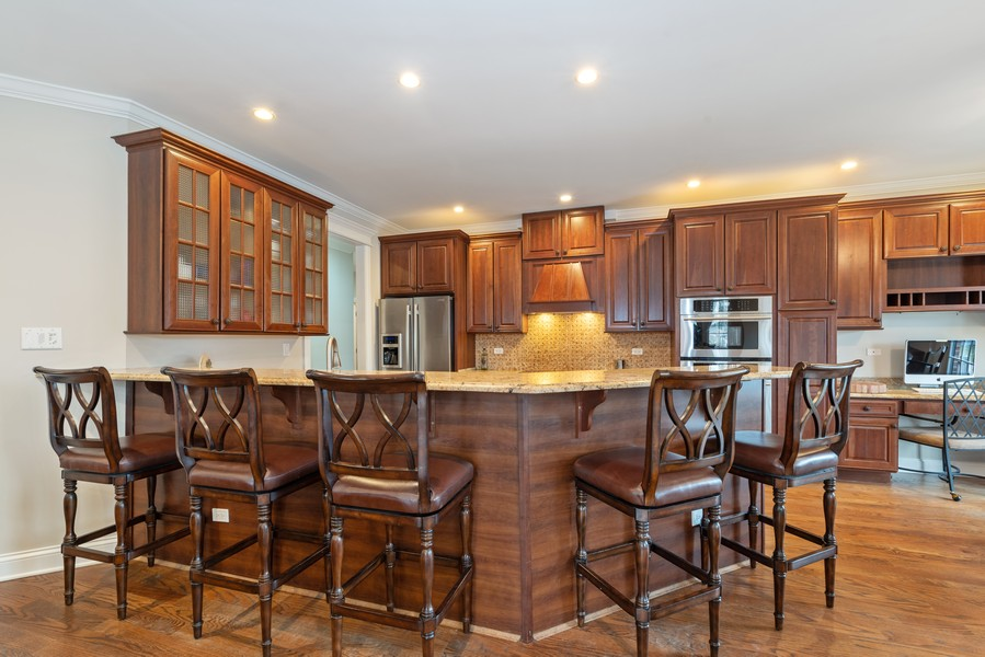 Real Estate Photography - 1406 E Lake Ave, Glenview, IL, 60025 - Kitchen
