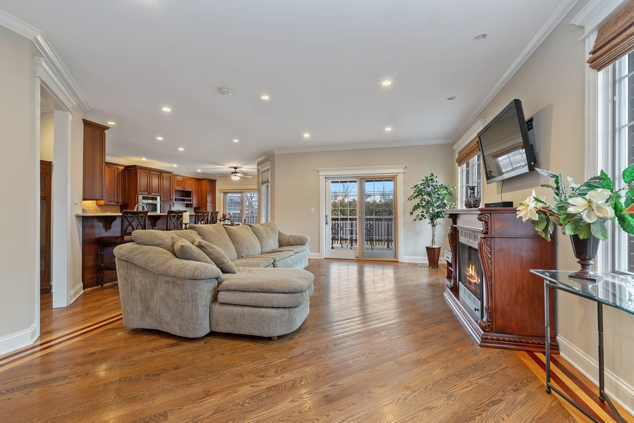 Real Estate Photography - 1406 E Lake Ave, Glenview, IL, 60025 - Family Room