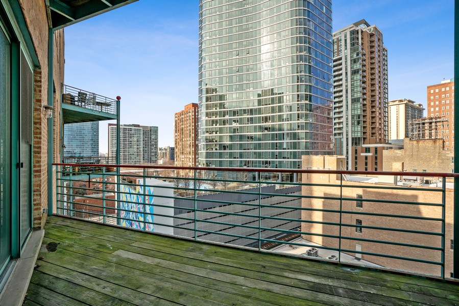 Real Estate Photography - 1020 S Wabash, Chicago, IL, 60605 - Balcony
