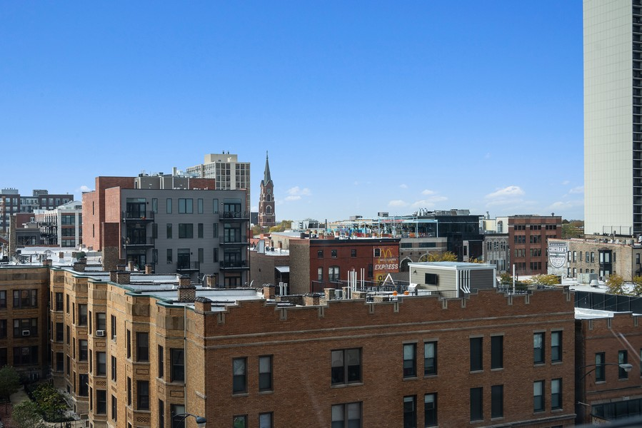 Real Estate Photography - 1560 N Sandburg Terr #709, Chicago, IL, 60610 - View