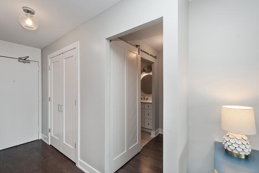 Real Estate Photography - 1560 N Sandburg Terr #709, Chicago, IL, 60610 - Hallway