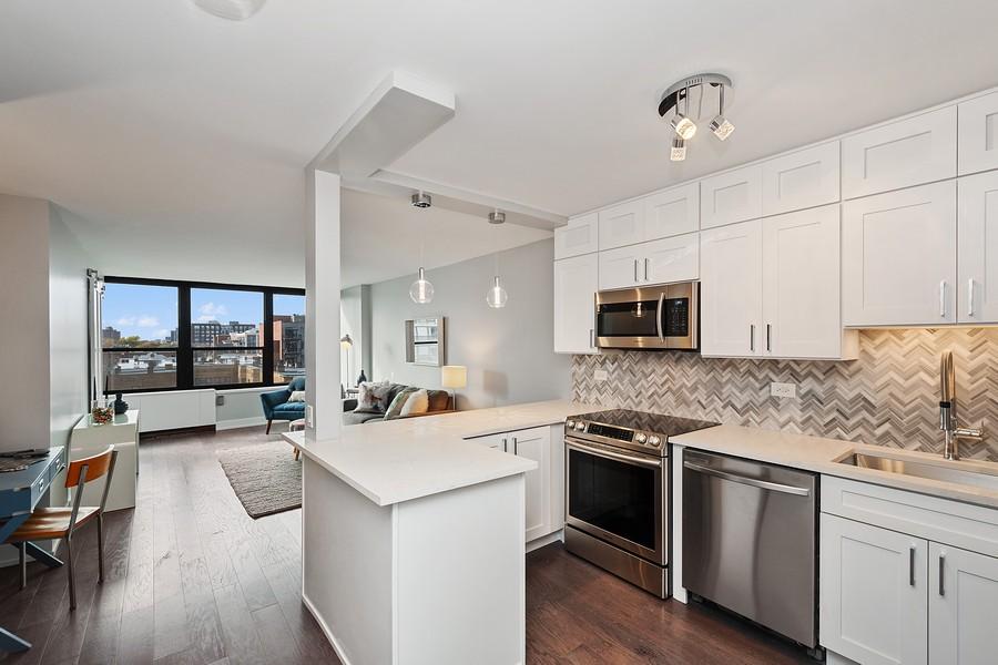 Real Estate Photography - 1560 N Sandburg Terr #709, Chicago, IL, 60610 - Kitchen / Living Room