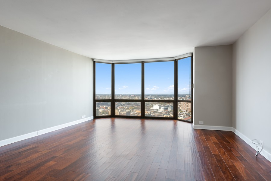 Real Estate Photography - 2650 N Lakeview Ave., Apt 3105, Chicago, IL, 60614 - Living Room / Dining Room