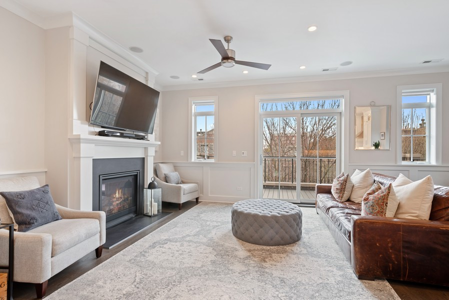 Real Estate Photography - 3645 N Damen Ave #3, Chicago, IL, 60618 - Living Room