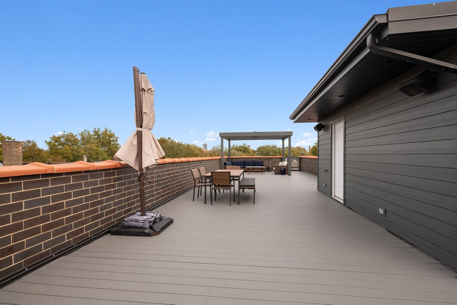Real Estate Photography - 3645 N Damen Ave #3, Chicago, IL, 60618 - Roof Deck
