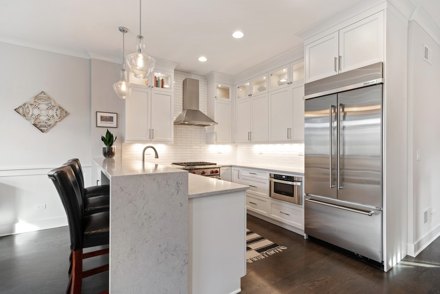 Real Estate Photography - 3645 N Damen Ave #3, Chicago, IL, 60618 - Kitchen