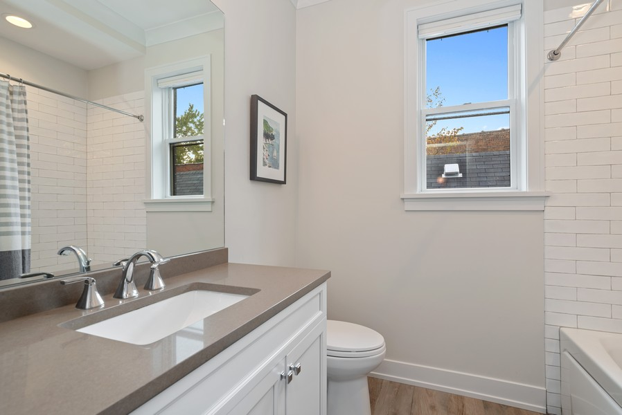 Real Estate Photography - 3645 N Damen Ave #3, Chicago, IL, 60618 - 2nd Bathroom