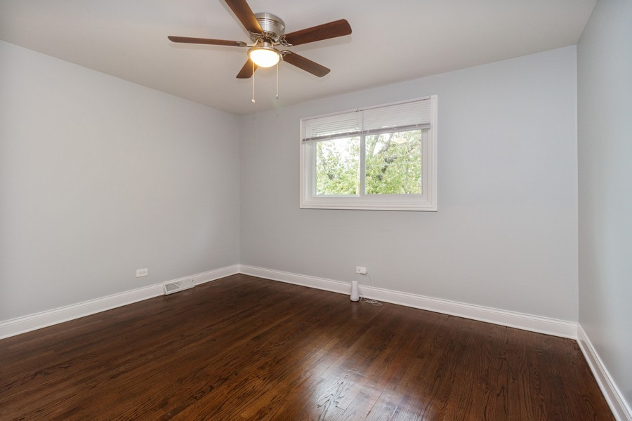 Real Estate Photography - 1400 E. 146th St., Dolton, IL, 60419 - 2nd Bedroom