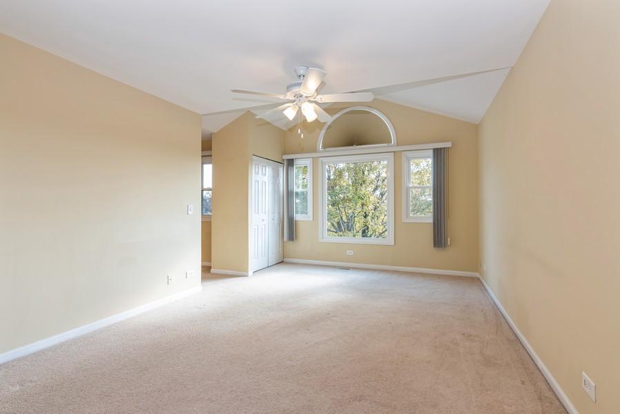 Real Estate Photography - 2100 Brandywyn Ln, Buffalo Grove, IL, 60089 - Master Bedroom