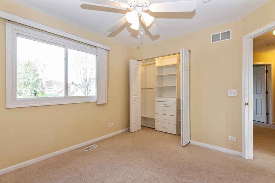 Real Estate Photography - 2100 Brandywyn Ln, Buffalo Grove, IL, 60089 - 3rd Bedroom