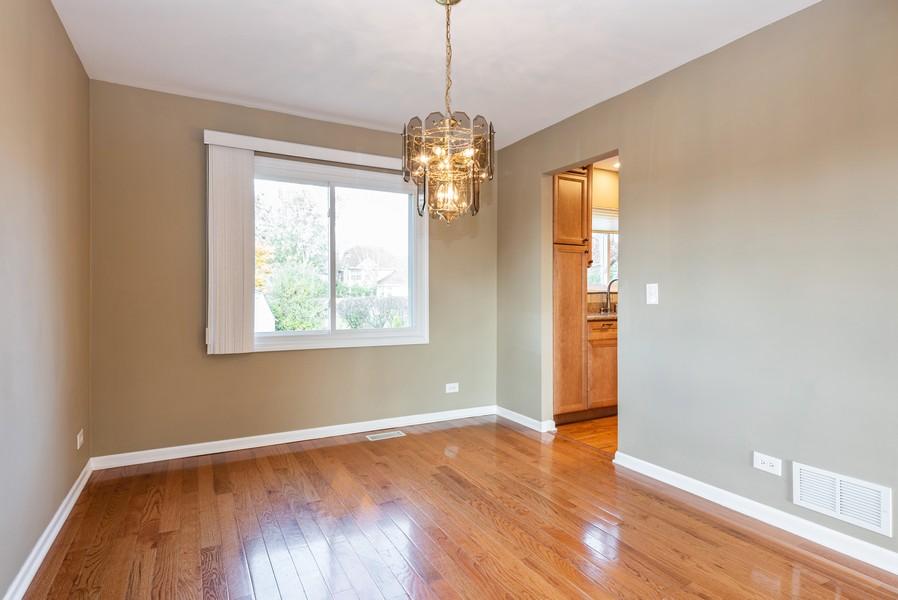 Real Estate Photography - 2100 Brandywyn Ln, Buffalo Grove, IL, 60089 - Dining Room