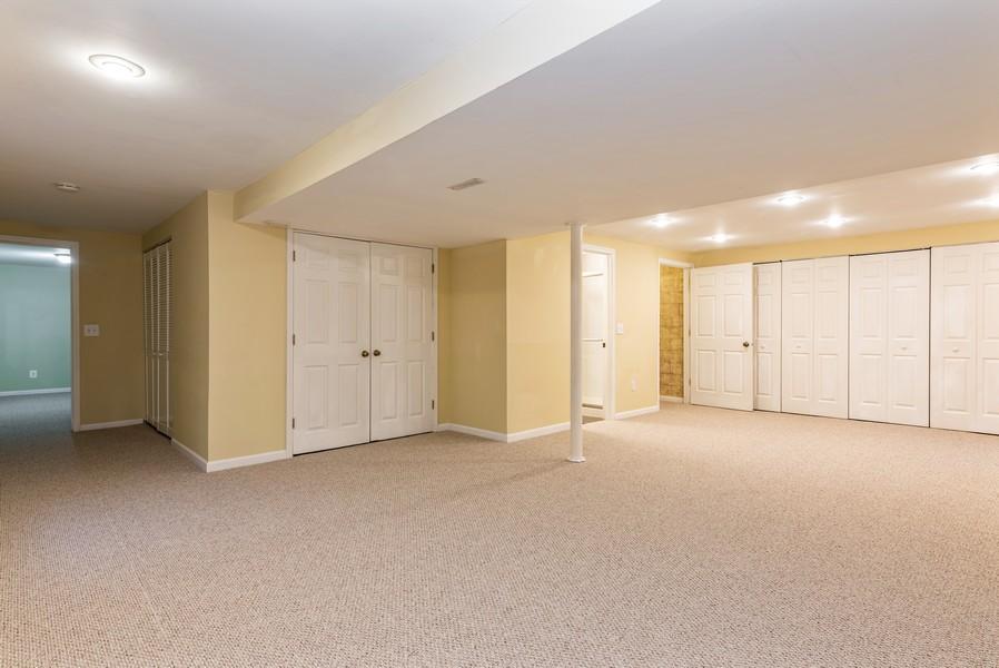 Real Estate Photography - 2100 Brandywyn Ln, Buffalo Grove, IL, 60089 - Basement