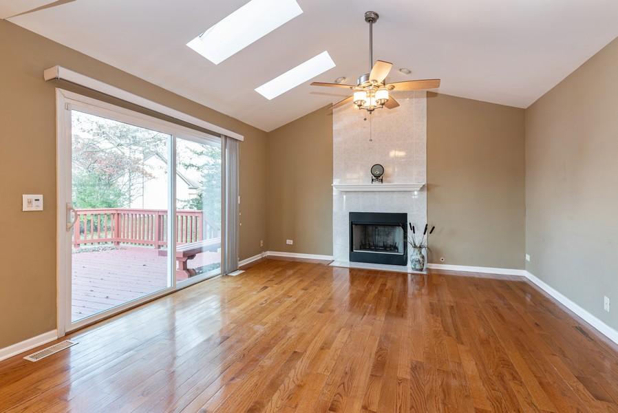 Real Estate Photography - 2100 Brandywyn Ln, Buffalo Grove, IL, 60089 - Family Room