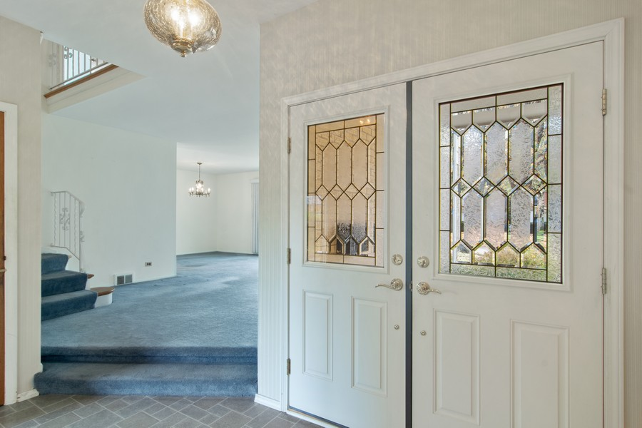 Real Estate Photography - 2174 Adams St, Rolling Meadows, IL, 60008 - Foyer