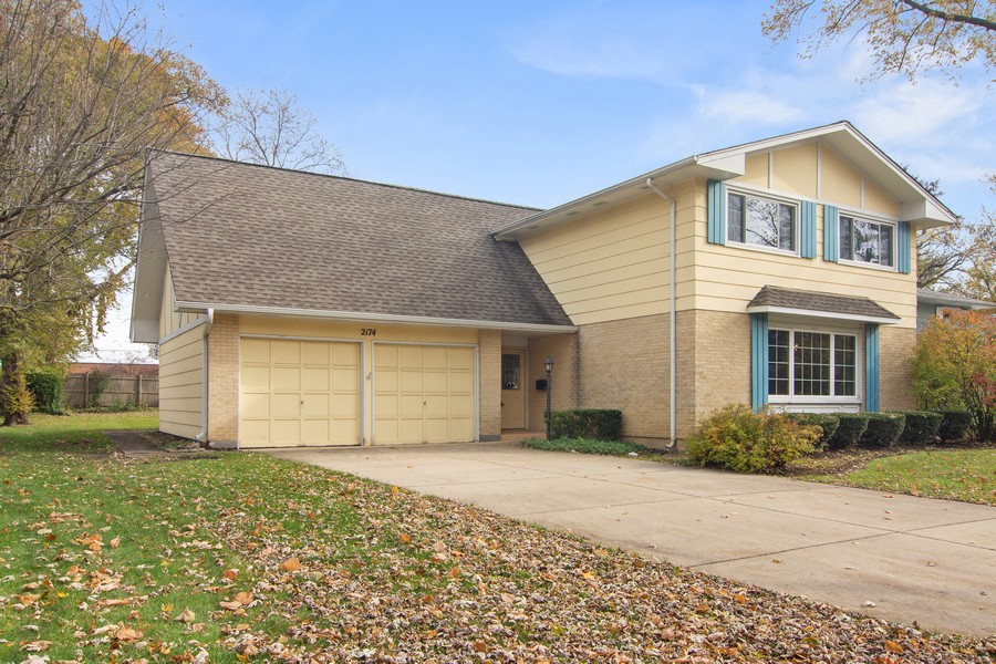 Real Estate Photography - 2174 Adams St, Rolling Meadows, IL, 60008 - Front View