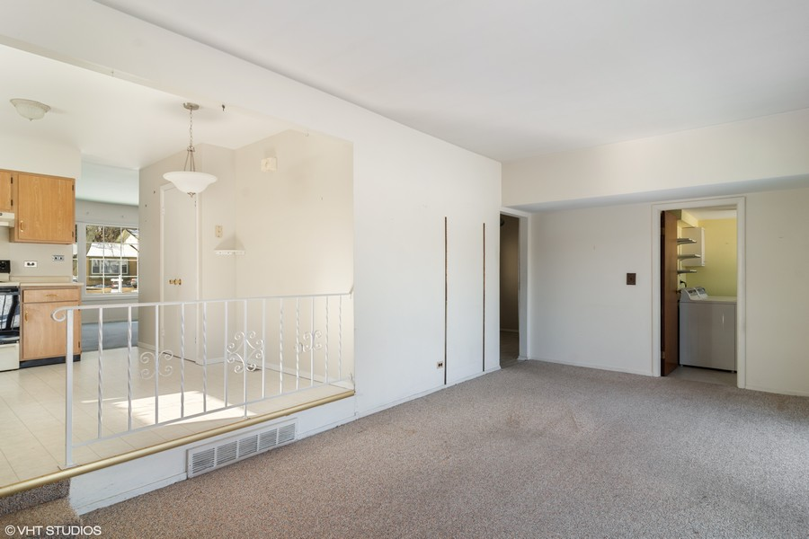 Real Estate Photography - 2174 Adams St, Rolling Meadows, IL, 60008 - Family Room / Kitchen