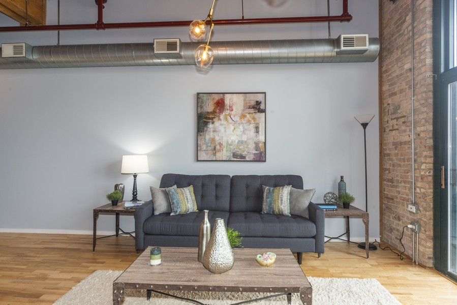 Real Estate Photography - 1632 S. Indiana Avenue, #505, Chicago, IL, 60616 - Living Room