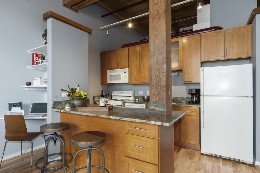 Real Estate Photography - 1632 S. Indiana Avenue, #505, Chicago, IL, 60616 - Kitchen