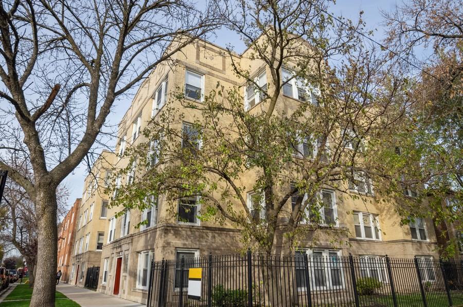 Real Estate Photography - 3100 W Leland, #201, Chicago, IL, 60625 - Front View