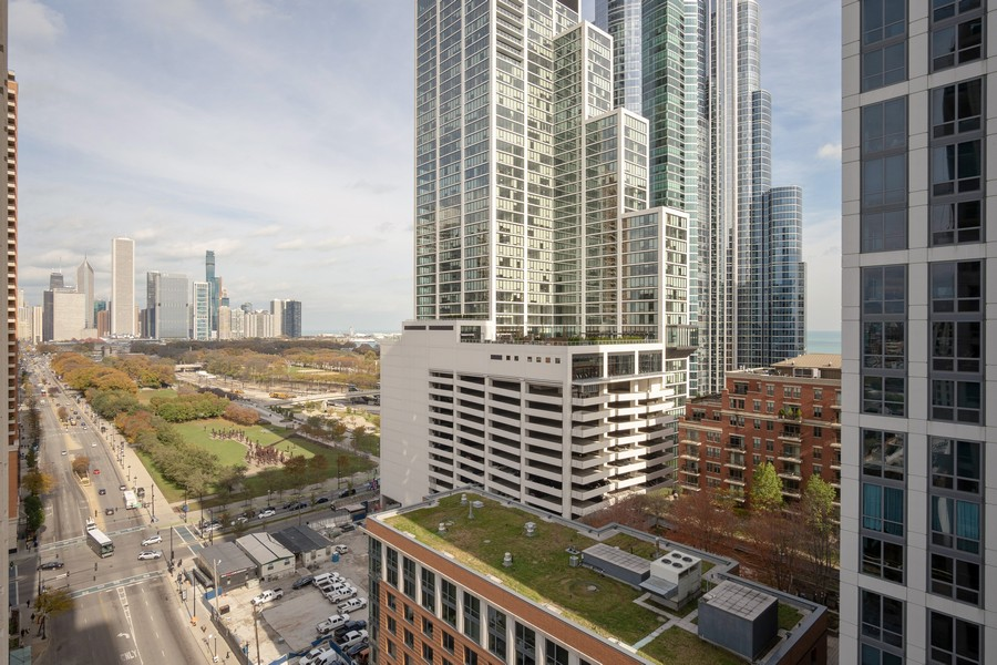 Real Estate Photography - 1250 S. Michigan Ave #1900, Chicago, IL, 60605 - View