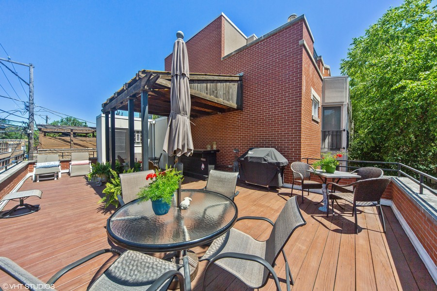 Real Estate Photography - 1842 N Halsted Street, Unit 1, Chicago, IL, 60614 - Private Roof Deck Over Garage
