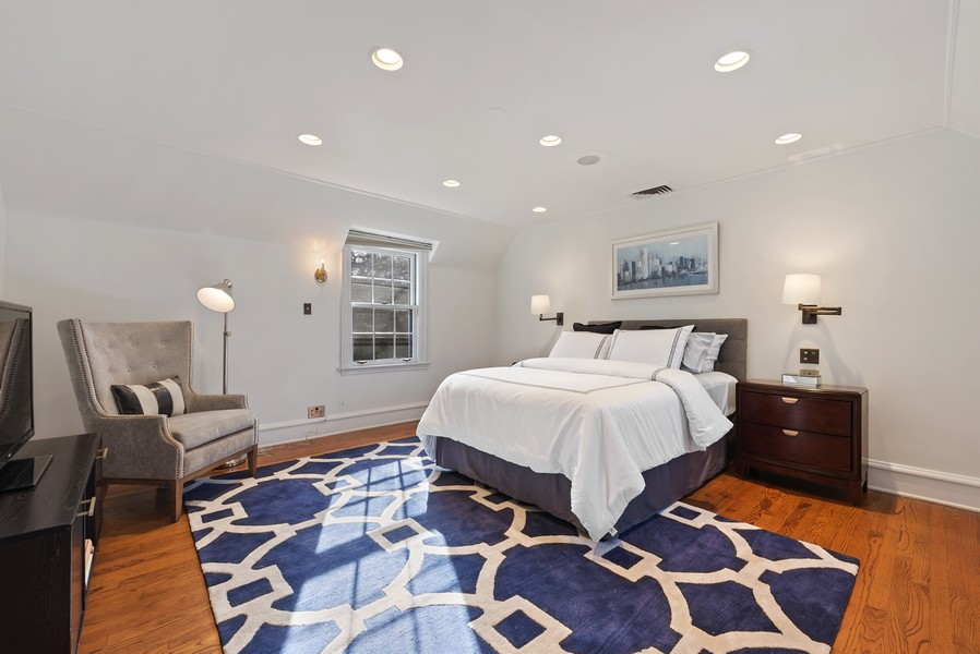 Real Estate Photography - 124 Dell Place, Glencoe, IL, 60022 - Master Bedroom