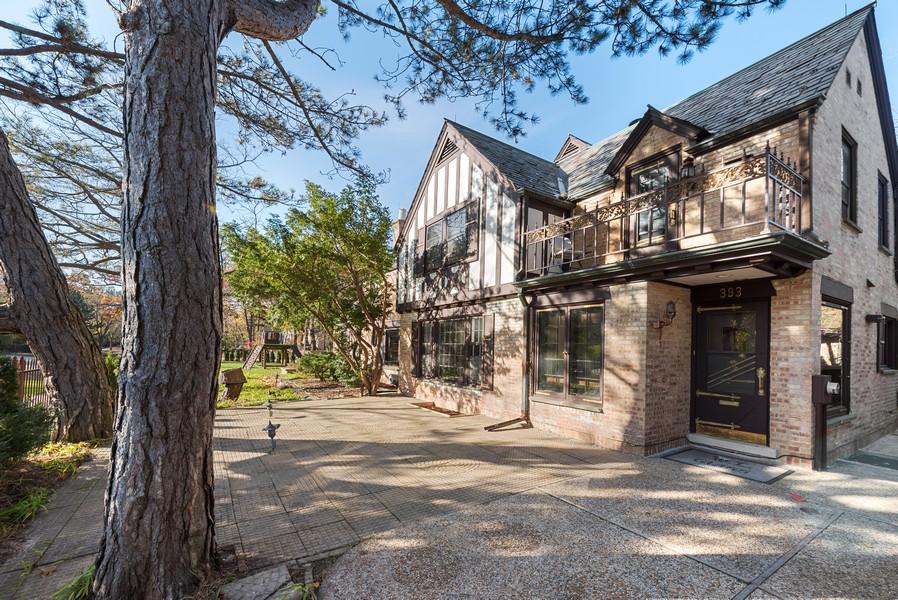 Real Estate Photography - 124 Dell Place, Glencoe, IL, 60022 - Rear View