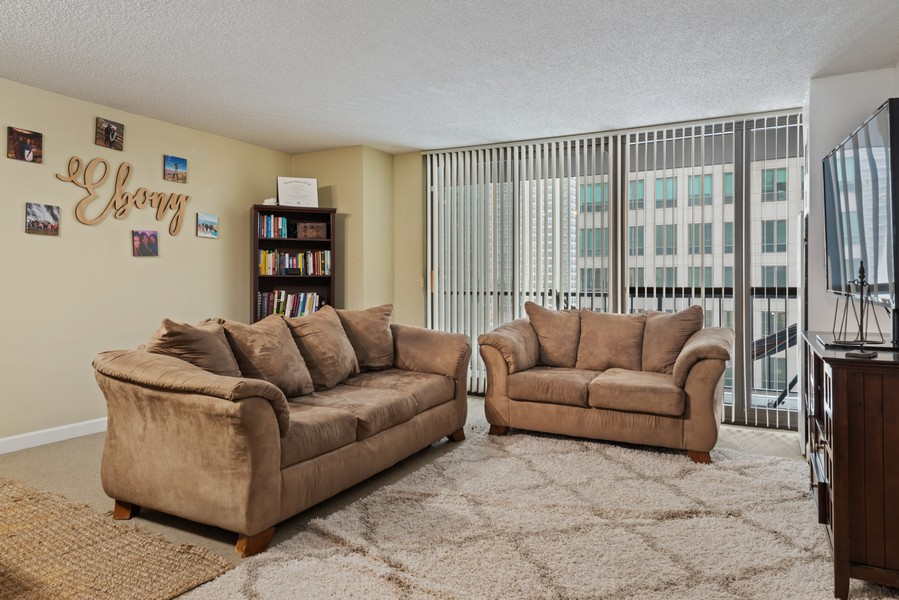Real Estate Photography - 10 E Ontario, #1009, Chicago, IL, 60611 - Living Room