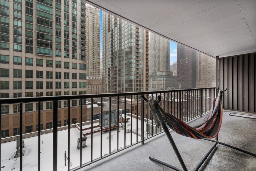 Real Estate Photography - 10 E Ontario, #1009, Chicago, IL, 60611 - Terrace