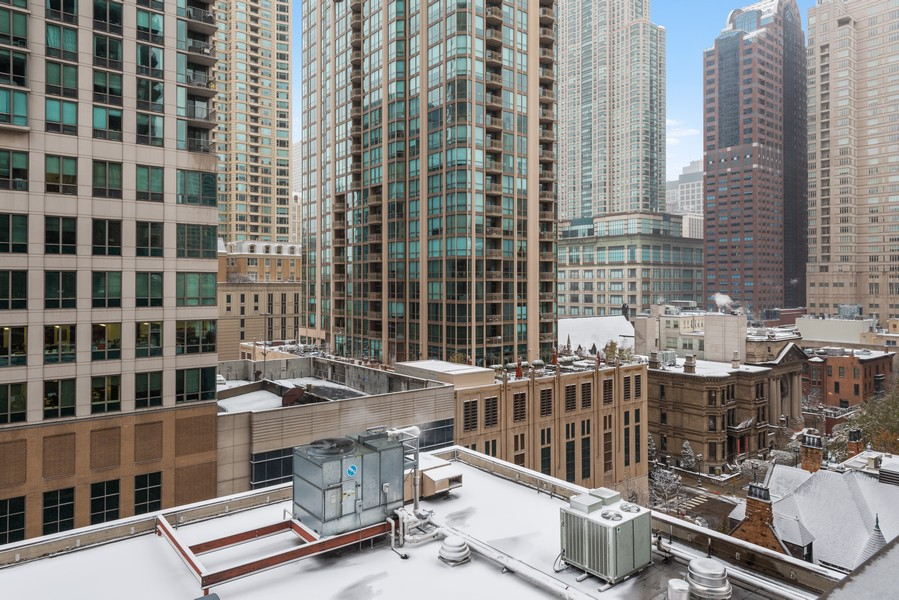 Real Estate Photography - 10 E Ontario, #1009, Chicago, IL, 60611 - View