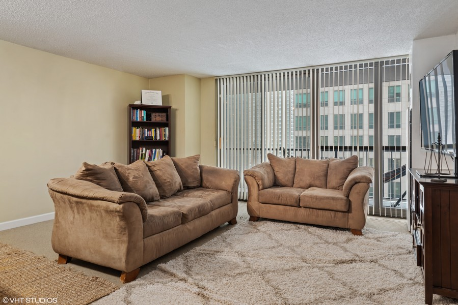 Real Estate Photography - 10 E Ontario, #1009, Chicago, IL, 60611 -