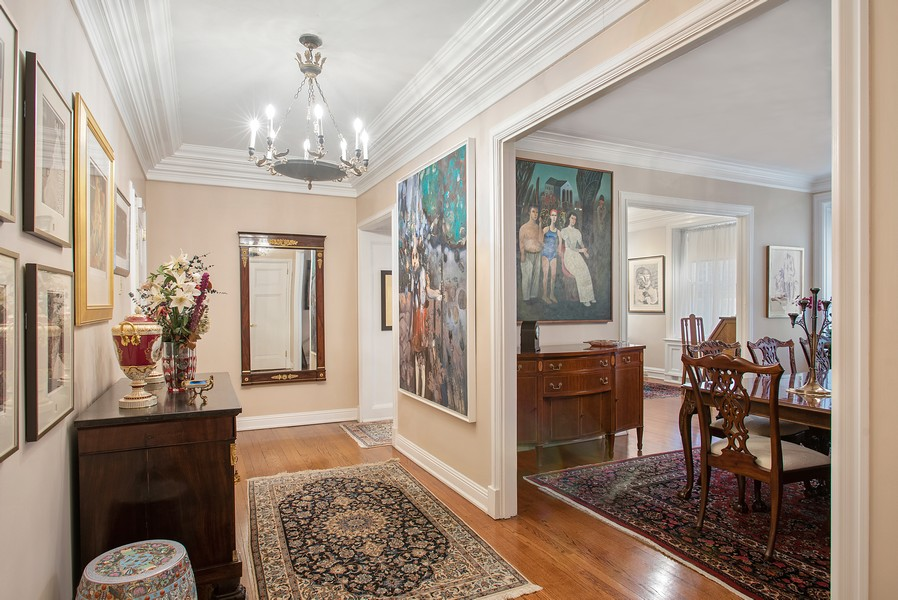 Real Estate Photography - 237 E. Delaware, Apt.2A, Chicago, IL, 60611 - Entry Foyer