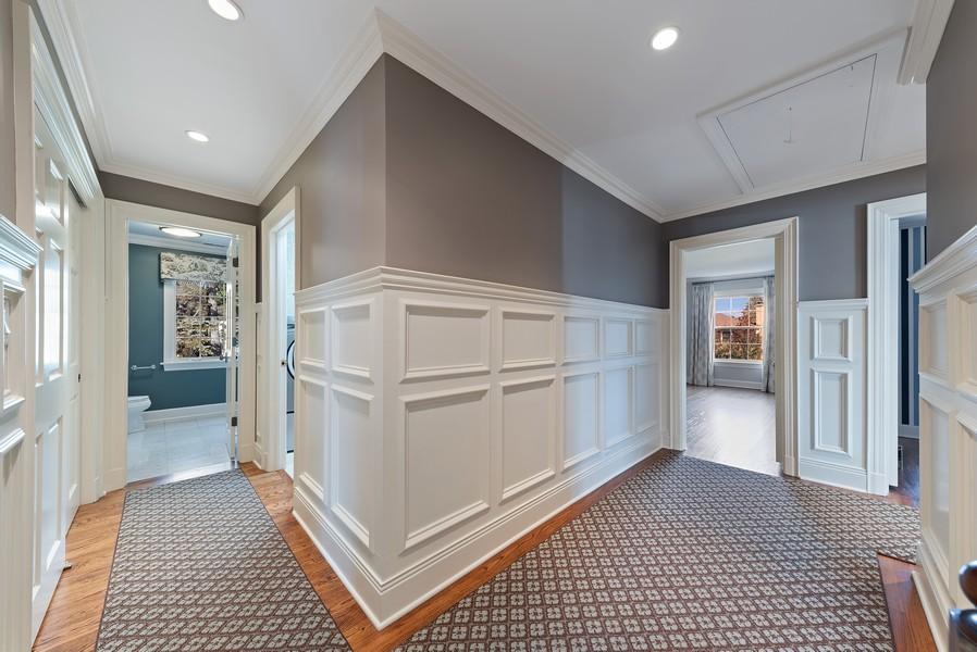Real Estate Photography - 454 S Banbury Rd, Arlington Heights, IL, 60005 - 2nd Floor Corridor