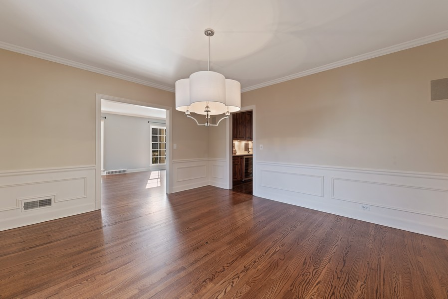 Real Estate Photography - 454 S Banbury Rd, Arlington Heights, IL, 60005 - Living Room/Dining Room