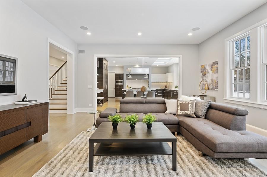 Real Estate Photography - 975 Bluff St, Glencoe, IL, 60022 -