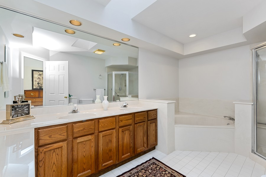 Real Estate Photography - 534 Park Barrington Way, Barrington, IL, 60010 - Master Bathroom