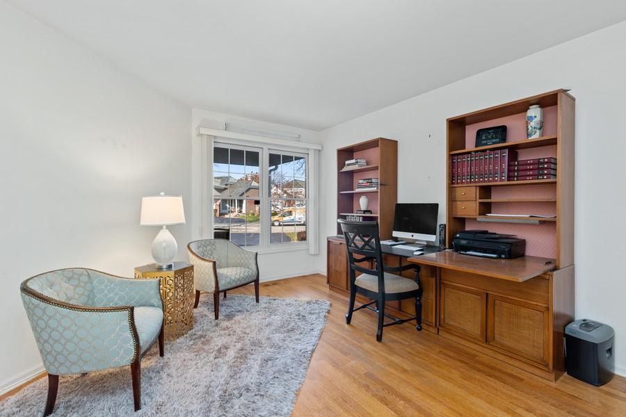 Real Estate Photography - 534 Park Barrington Way, Barrington, IL, 60010 - 2nd Bedroom