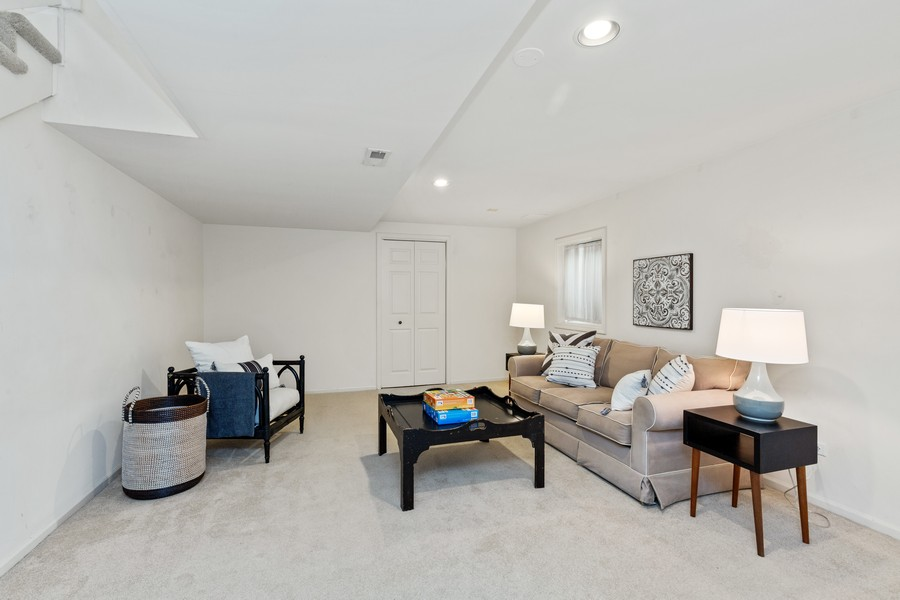 Real Estate Photography - 534 Park Barrington Way, Barrington, IL, 60010 - Lower Level